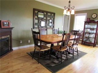 """Photo 5: 14235 259TH Road in Fort St. John: Fort St. John - Rural W 100th House for sale in """"NORTH PINE"""" (Fort St. John (Zone 60))  : MLS®# N230500"""