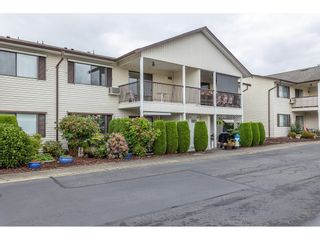 """Photo 2: 63 32959 GEORGE FERGUSON Way in Abbotsford: Central Abbotsford Townhouse for sale in """"OAKHURST"""" : MLS®# R2612971"""