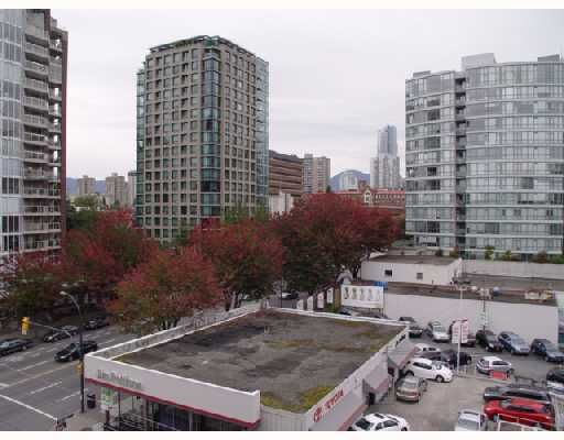 "Main Photo: 707 950 DRAKE Street in Vancouver: Downtown VW Condo for sale in ""ANCHOR POINT"" (Vancouver West)  : MLS®# V748678"