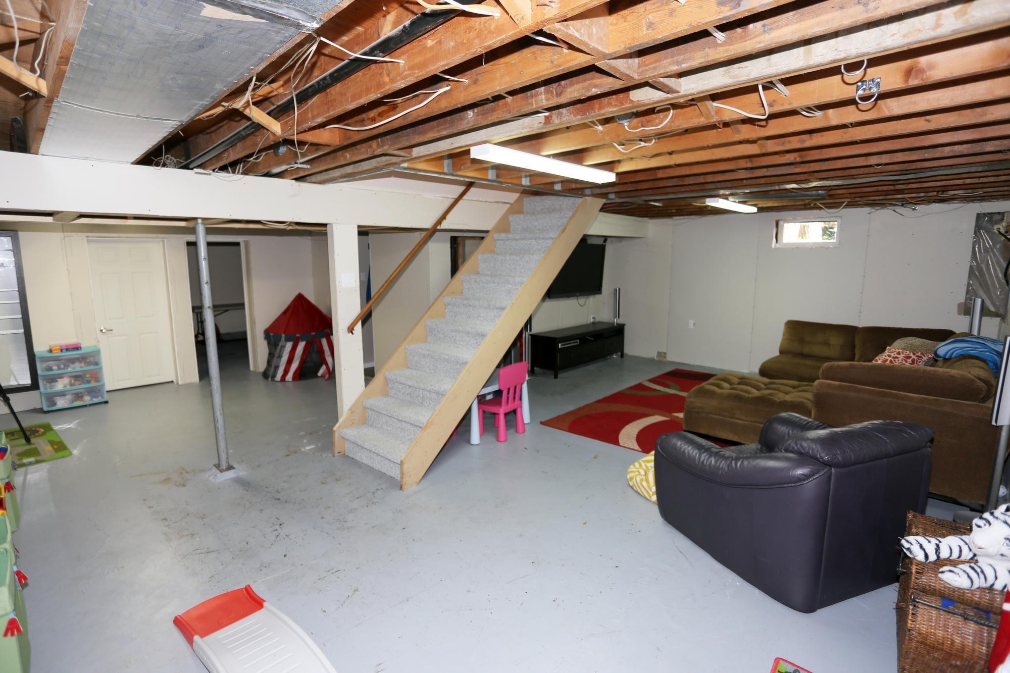 Photo 24: Photos: 1322 Valour Road in Winnipeg: Sargent Park Single Family Detached for sale (5C)  : MLS®# 1811835