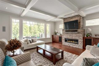 """Photo 2: 40891 THE Crescent in Squamish: University Highlands House for sale in """"UNIVERSITY HEIGHTS"""" : MLS®# R2277401"""