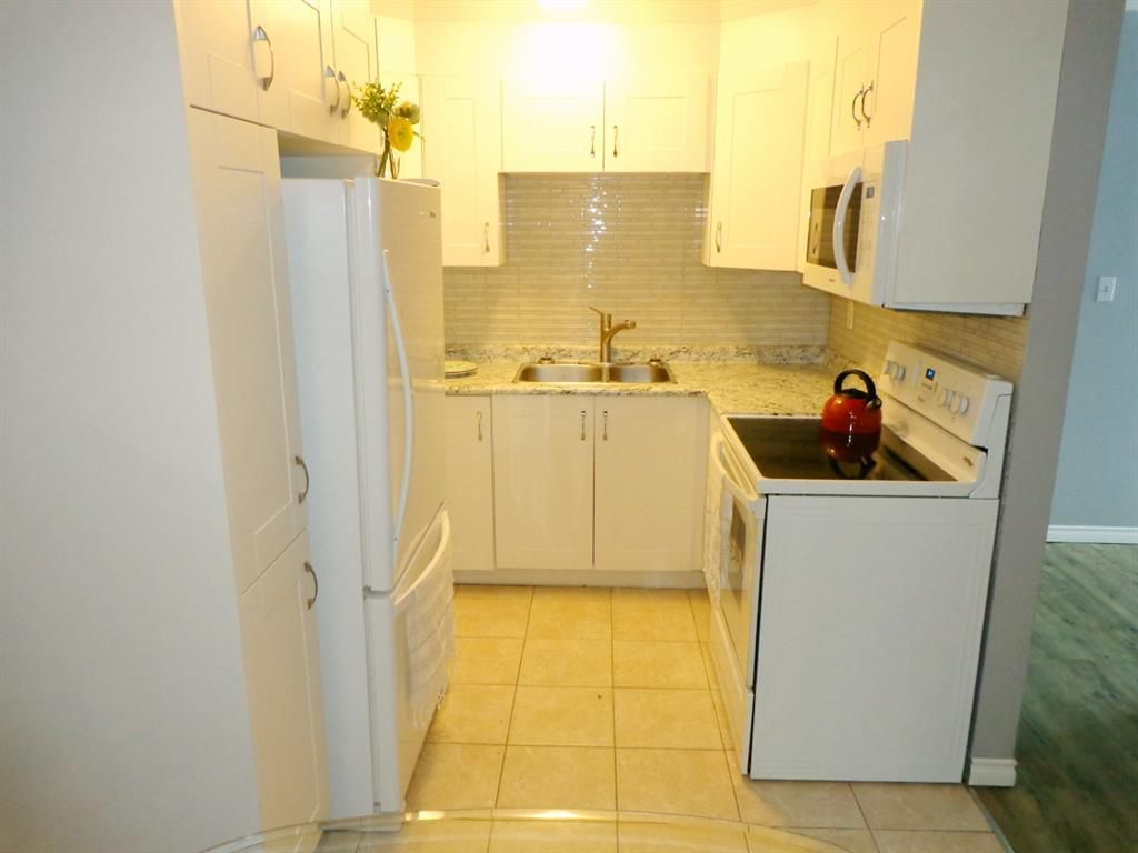Photo 11: Photos: 301 5812 61 Street: Red Deer Apartment for sale : MLS®# A1063837