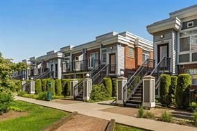 """Photo 1: 275 20170 FRASER Highway in Langley: Langley City Condo for sale in """"PADDINGTON STATION"""" : MLS®# R2175942"""