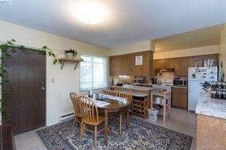 Photo 7: 918 Bay St in VICTORIA: Vi Hillside House for sale (Victoria)  : MLS®# 787949