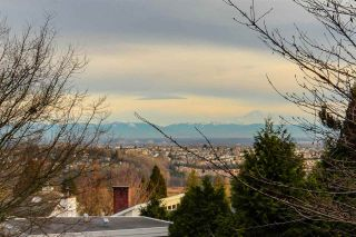 Photo 18: 205 2733 ATLIN Place in Coquitlam: Coquitlam East Condo for sale : MLS®# R2350938