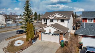 Photo 2: 328 Riverview Close SE in Calgary: Riverbend Detached for sale : MLS®# A1092957
