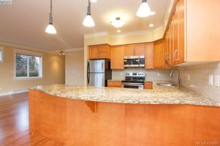 Photo 10: 17 1880 Laval Ave in VICTORIA: SE Gordon Head Row/Townhouse for sale (Saanich East)  : MLS®# 826384