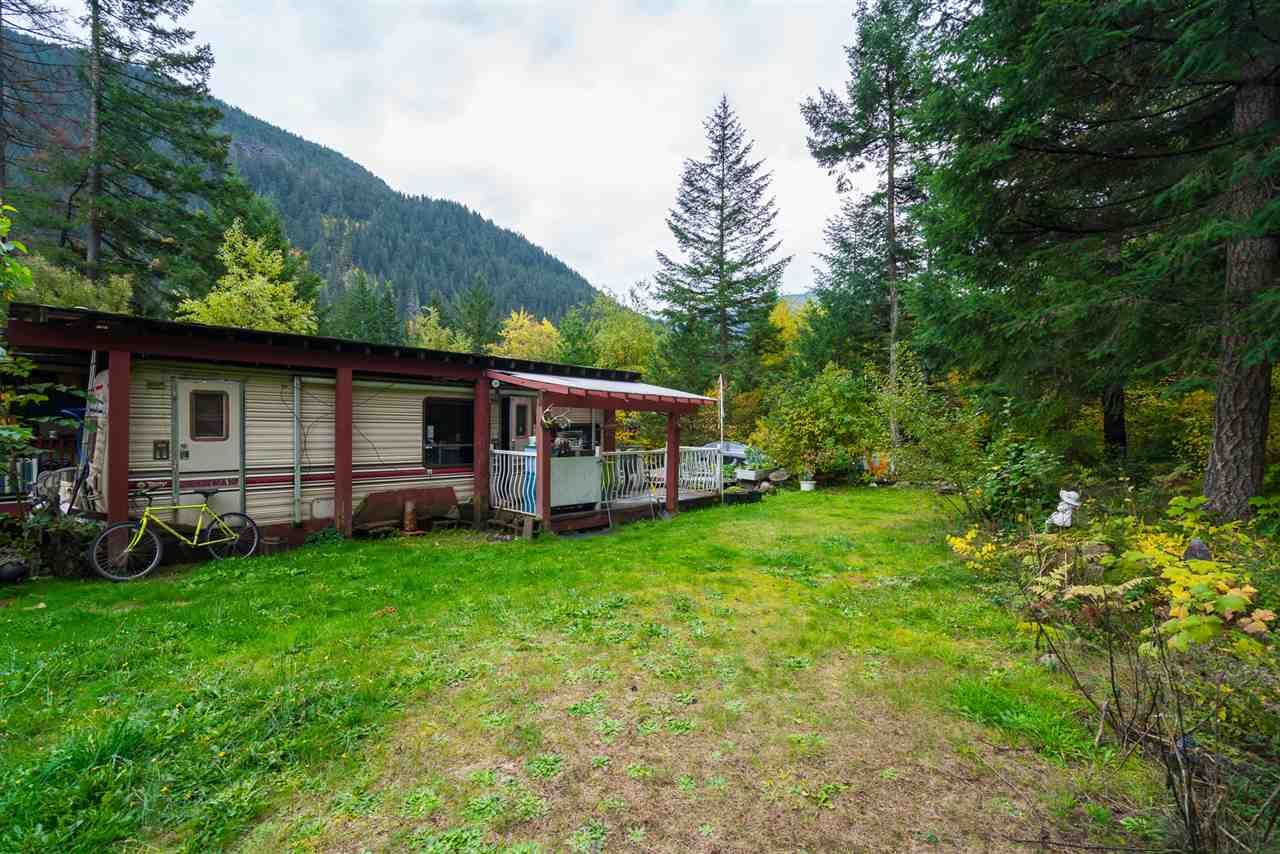 Photo 20: Photos: 36255 TRANS CANADA Highway in Yale: Hope Laidlaw Manufactured Home for sale (Hope)  : MLS®# R2335678