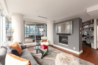 """Photo 13: 1902 1111 ALBERNI Street in Vancouver: West End VW Condo for sale in """"Shangri-La Live/Work"""" (Vancouver West)  : MLS®# R2605560"""