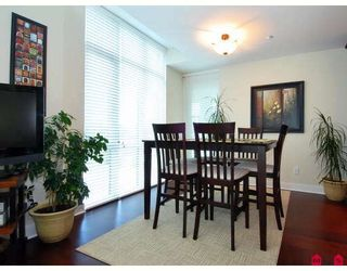 """Photo 5: 202 14824 N BLUFF Road in White_Rock: White Rock Condo for sale in """"BELAIRE"""" (South Surrey White Rock)  : MLS®# F2800823"""