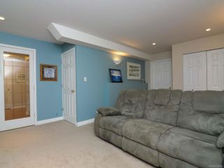 Photo 8: 201 2727 1st St in COURTENAY: CV Courtenay City Row/Townhouse for sale (Comox Valley)  : MLS®# 716740