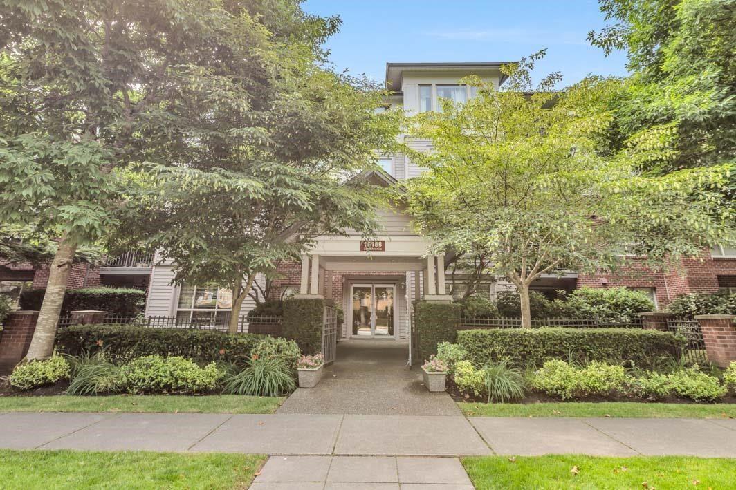 "Main Photo: 405 15188 22 Avenue in Surrey: Sunnyside Park Surrey Condo for sale in ""Muirfield Gardens"" (South Surrey White Rock)  : MLS®# R2600390"