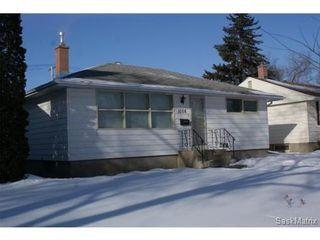 Photo 2: 1008 WALKER Street in Regina: Rosemont Single Family Dwelling for sale (Regina Area 02)  : MLS®# 523318