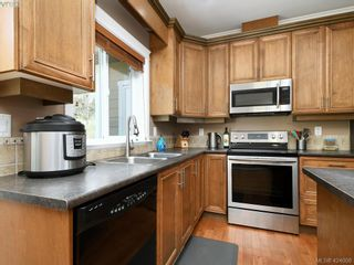 Photo 6: 1284 Kingfisher Pl in VICTORIA: La Langford Lake House for sale (Langford)  : MLS®# 837403
