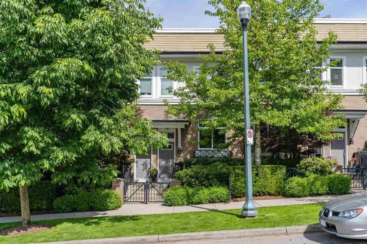 Main Photo: 4 15833 26 Avenue in Surrey: Grandview Surrey Townhouse for sale (South Surrey White Rock)  : MLS®# R2376987