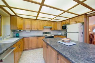 Photo 9: 88 Strathdale Close SW in Calgary: Strathcona Park Detached for sale : MLS®# A1116275