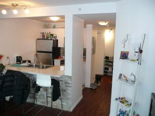 """Photo 7: 1906 438 SEYMOUR Street in Vancouver: Downtown VW Condo for sale in """"CONFERENCE PLAZA"""" (Vancouver West)  : MLS®# R2534044"""
