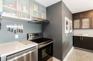 """Photo 10: 206 175 E 5TH Street in North Vancouver: Lower Lonsdale Condo for sale in """"Wellington Manor"""" : MLS®# R2624759"""