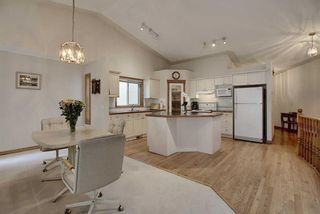 Photo 9: 13 Strathearn Gardens SW in Calgary: Strathcona Park Semi Detached for sale : MLS®# A1114770