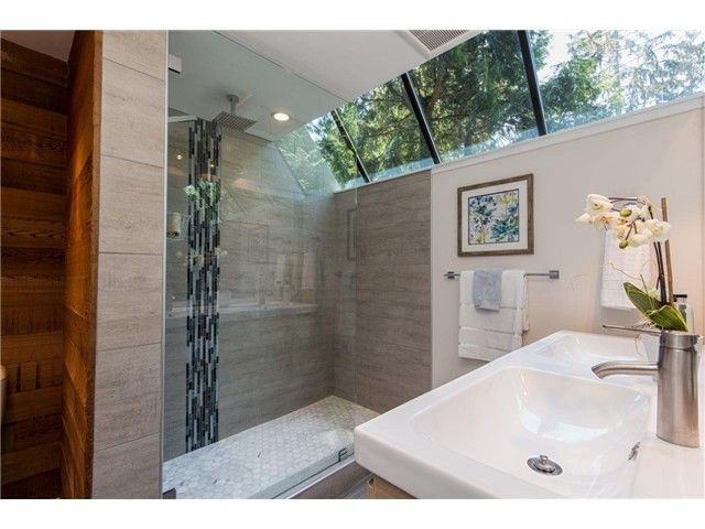 """Photo 6: Photos: 1810 RIVERSIDE Drive in North Vancouver: Seymour House for sale in """"RIVERSIDE"""" : MLS®# V1130790"""