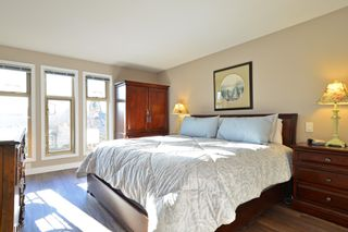 Photo 8: 403 15340 19A Avenue in Surrey: King George Corridor Condo for sale (South Surrey White Rock)  : MLS®# R2353532