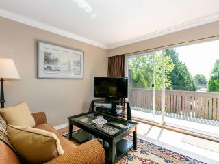 """Photo 5: 301 910 FIFTH Avenue in New Westminster: Uptown NW Condo for sale in """"Grosvenor Court"""" : MLS®# R2478805"""