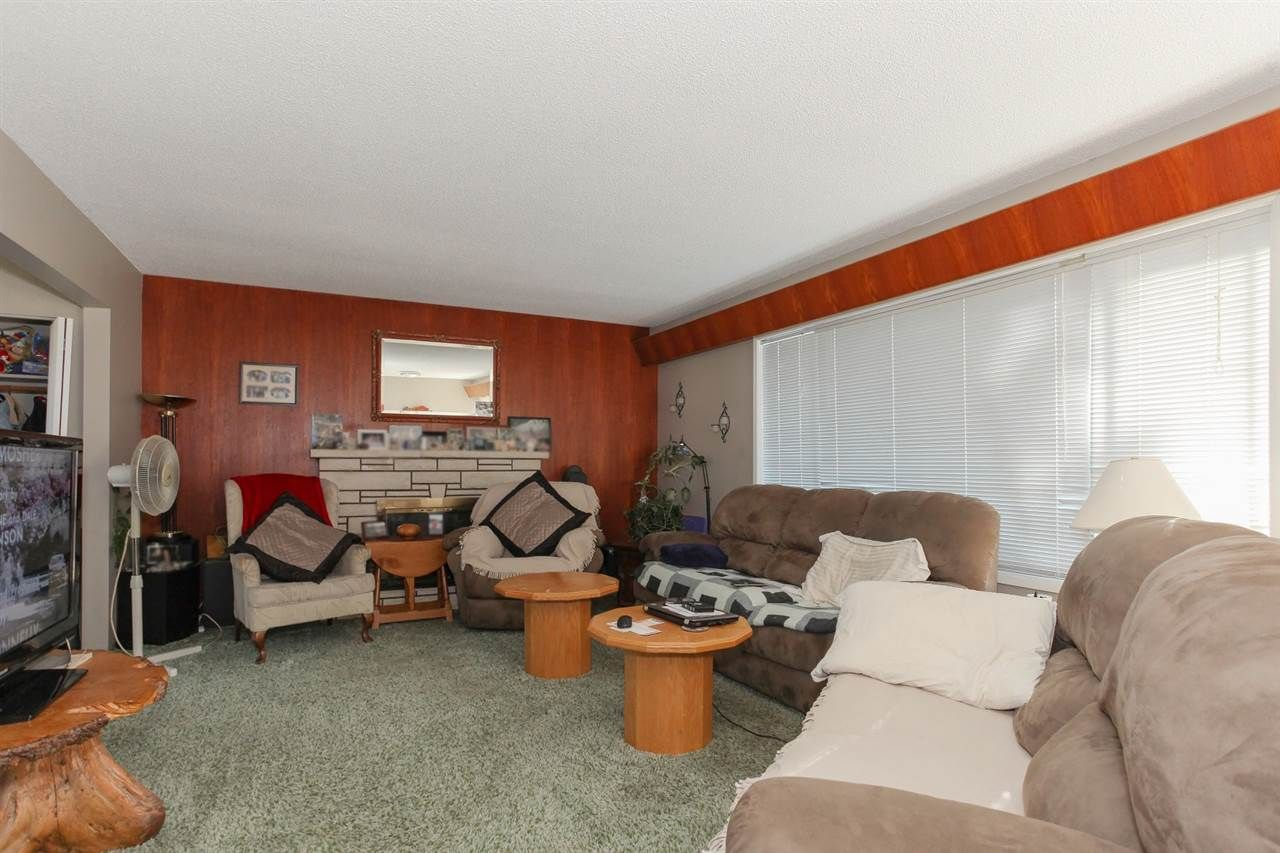 Photo 2: Photos: 334 LEROY STREET in Coquitlam: Central Coquitlam House for sale : MLS®# R2210687