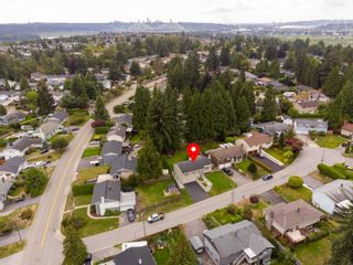 Photo 4: 2104 CARMEN Place in Port Coquitlam: Mary Hill House for sale : MLS®# R2615251
