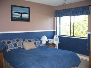Photo 5: 8988 130B Street: House for sale (Queen Mary Park)