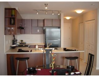 Photo 5: 409 4799 Brentwood Dr. in Burnaby: Brentwood Park Condo for sale (Burnaby North)  : MLS®# V729814