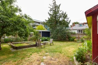 Photo 23: 1235/1237 Rudlin St in VICTORIA: Vi Fernwood House for sale (Victoria)  : MLS®# 791620