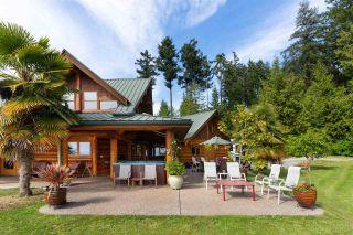 Photo 2: 2203 PIXTON Road: Roberts Creek House for sale (Sunshine Coast)  : MLS®# R2588736
