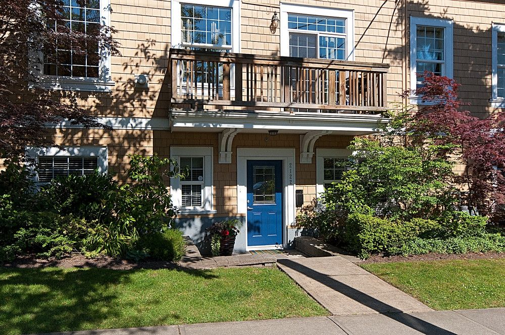Main Photo: 2122 LARCH Street in Vancouver: Kitsilano Townhouse for sale (Vancouver West)  : MLS®# V842037