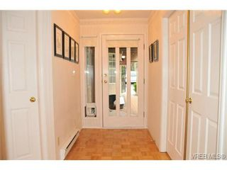 Photo 2: 20 901 Kentwood Lane in VICTORIA: SE Broadmead Row/Townhouse for sale (Saanich East)  : MLS®# 652877