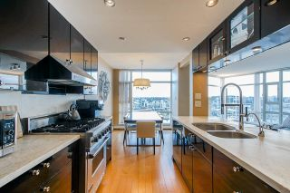 "Photo 18: 2701 1199 MARINASIDE Crescent in Vancouver: Yaletown Condo for sale in ""AQUARIUS I"" (Vancouver West)  : MLS®# R2564661"