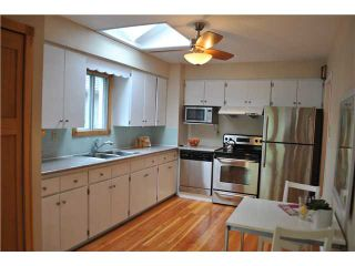 """Photo 3: 38 W 20TH AV in Vancouver: Cambie House for sale in """"CAMBIE VILLAGE"""" (Vancouver West)  : MLS®# V824923"""