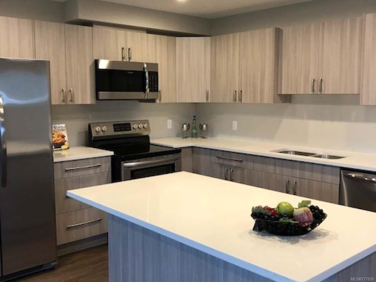 Photo 2: Photos: 2 535 Petersen Rd in CAMPBELL RIVER: CR Campbell River West Half Duplex for sale (Campbell River)  : MLS®# 777650