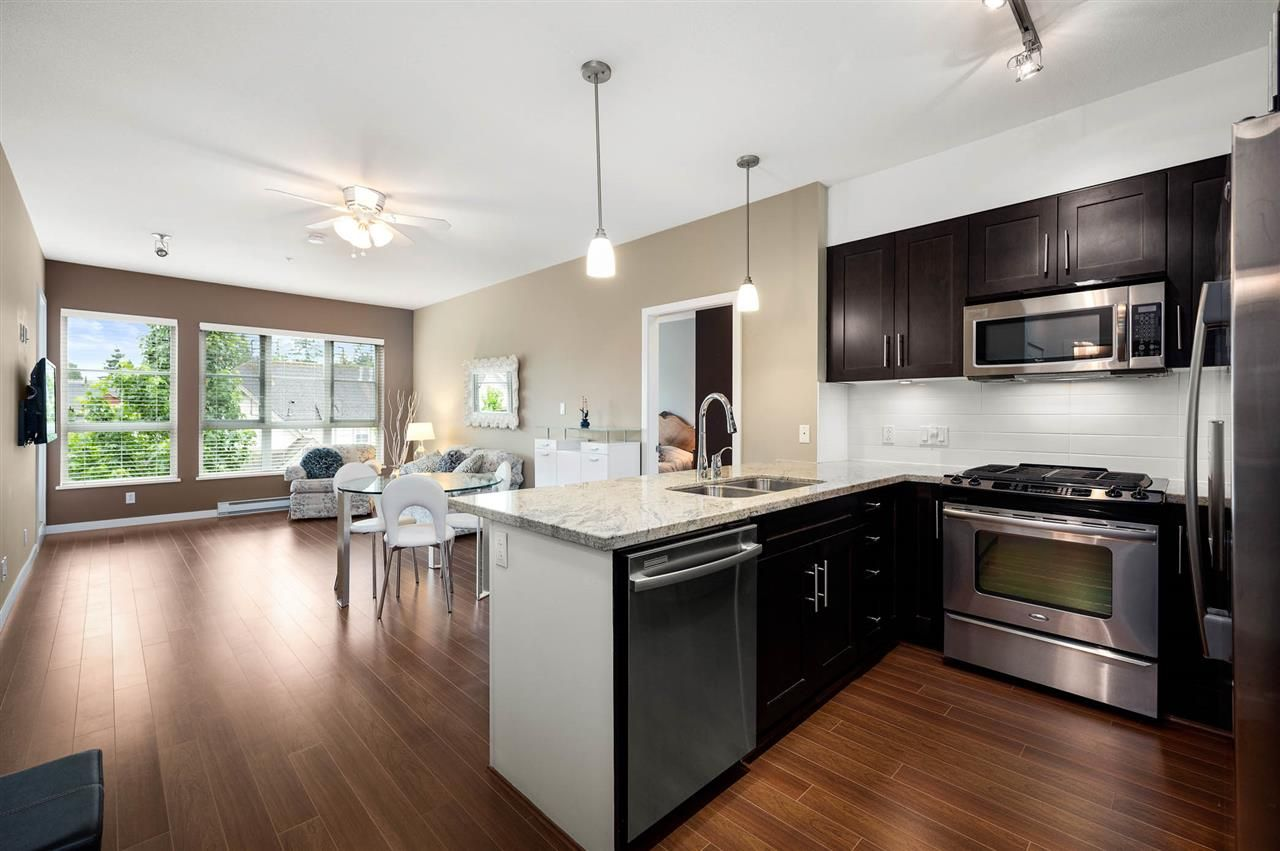 """Photo 3: Photos: 309 23215 BILLY BROWN Road in Langley: Fort Langley Condo for sale in """"WATERFRONT at Bedford Landing"""" : MLS®# R2472976"""
