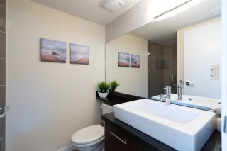 """Photo 34: PH10 1288 CHESTERFIELD Avenue in North Vancouver: Central Lonsdale Condo for sale in """"Alina"""" : MLS®# R2479203"""
