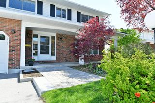 Photo 2: 8 Falk Avenue in Ottawa: Barrhaven House for sale