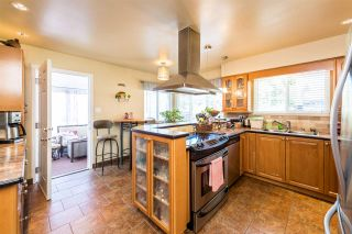 Photo 5: 1580 HAVERSLEY Avenue in Coquitlam: Central Coquitlam House for sale : MLS®# R2271583