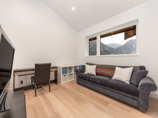 """Photo 11: 38580 HIGH CREEK Drive in Squamish: Plateau House for sale in """"Crumpit Woods"""" : MLS®# R2547060"""