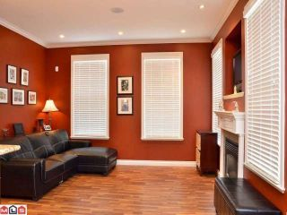 """Photo 5: 6976 179A Street in Surrey: Cloverdale BC Townhouse for sale in """"TERRACES AT PROVINCETON"""" (Cloverdale)  : MLS®# F1220224"""