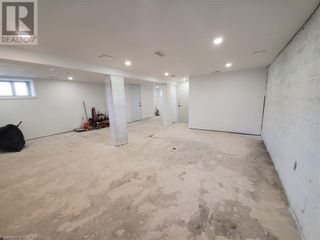 Photo 3: 63 E 36TH Street in Hamilton: Commercial for lease : MLS®# 40125654