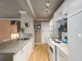 "Photo 8: 213 1940 BARCLAY Street in Vancouver: West End VW Condo for sale in ""Bourbon Court"" (Vancouver West)  : MLS®# R2473241"