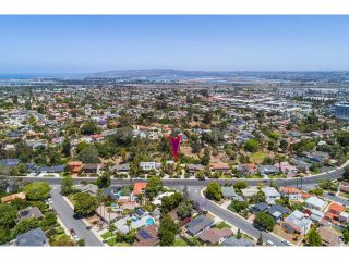 Photo 3: POINT LOMA House for sale : 4 bedrooms : 2808 Chatsworth Blvd in San Diego