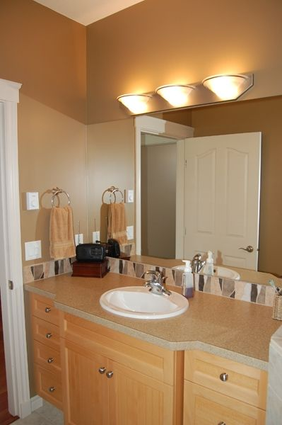 Photo 18: Photos: 4021 Lakeside Road in Penticton: Penticton South Residential Detached for sale : MLS®# 136028