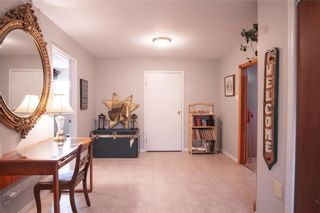 Photo 2: 309 SECOND Avenue in Clandeboye: R13 Residential for sale : MLS®# 202115361