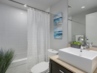 """Photo 9: 1606 1320 CHESTERFIELD Avenue in North Vancouver: Central Lonsdale Condo for sale in """"Vista Place"""" : MLS®# R2355353"""
