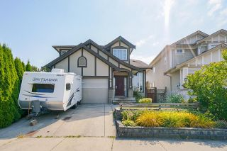 Photo 1: 6648 187A Street in Surrey: Cloverdale BC House for sale (Cloverdale)  : MLS®# R2597805